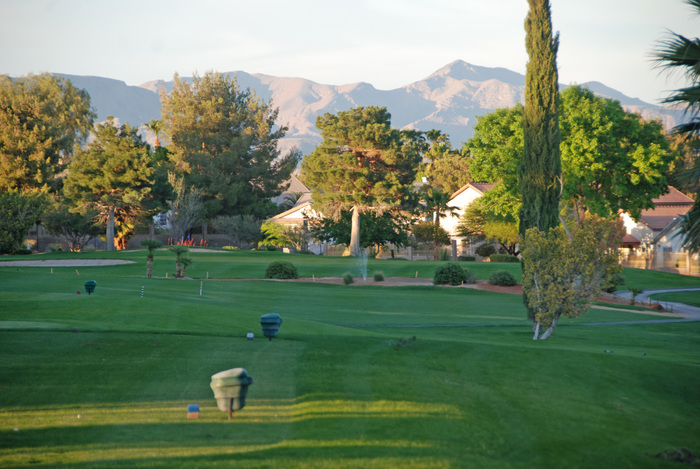 Image of the practice facilities at Los Prados Golf Course
